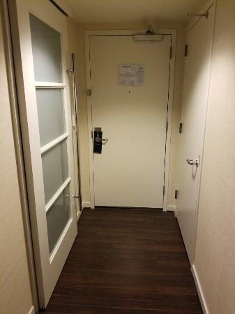 The Inn at Penn, A Hilton Hotel: 20171124_183629_large.jpg