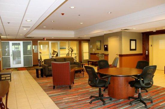 Waterford, Мичиган: Lower Lounge Area