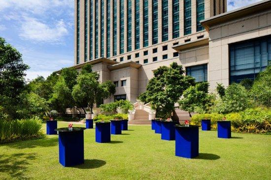 Radisson Blu Cebu: Exterior