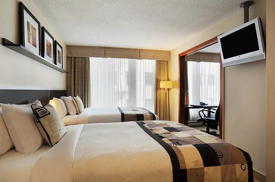 Embassy Suites by Hilton Montreal: Guest Bedroom