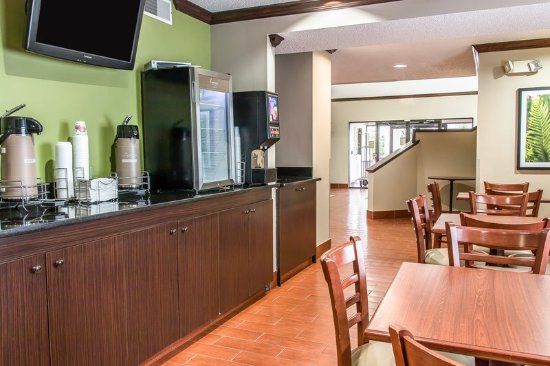 Baymont Inn & Suites Flat Rock