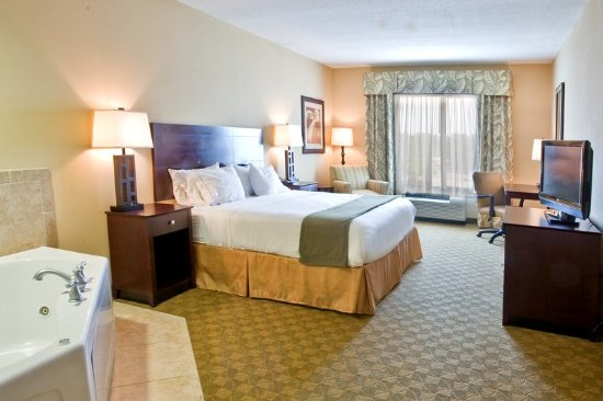 2 Queen Bed Guest Room Holiday Inn Express Tampa Busch Gardens Na Slici Je Holiday Inn Express