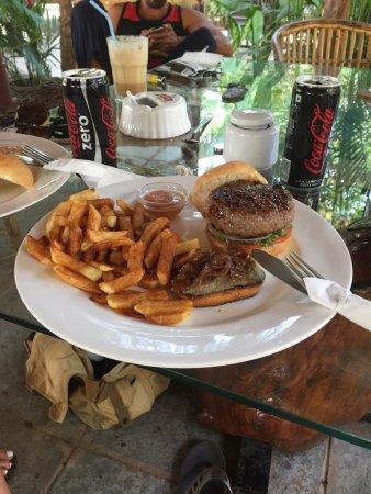 Anjuna, Indien: Beef  Burger