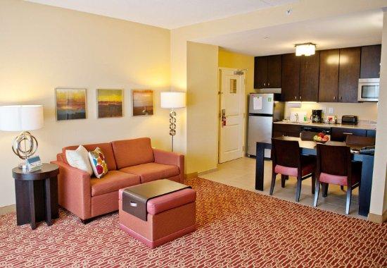 Two Bedroom Suite Sleeping Area Obr Zek Za Zen Towneplace Suites Charlotte Mooresville