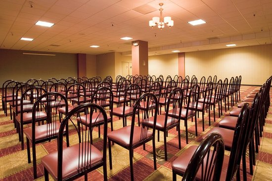 Holiday Inn Reno-Sparks: Victorian Ballroom set up classroom style for up to 325 people