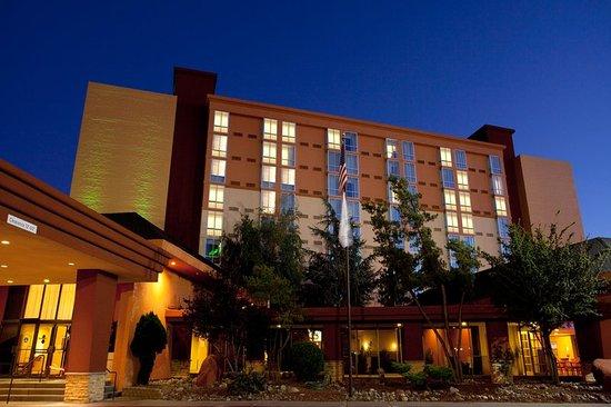 Holiday Inn Reno-Sparks: Hotel Exterior