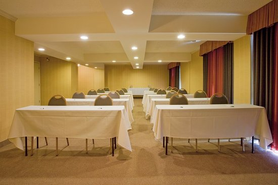 Holiday Inn Reno-Sparks: High Sierra Meeting Room  set up classroom style for 30 people