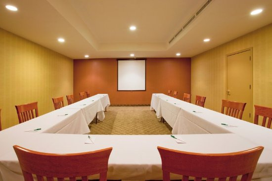 Holiday Inn Reno-Sparks: Great Basin Meeting Room - private room just off of the restaurant