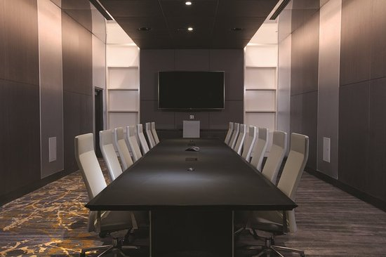 Oxon Hill, MD: Meeting Space Boardroom