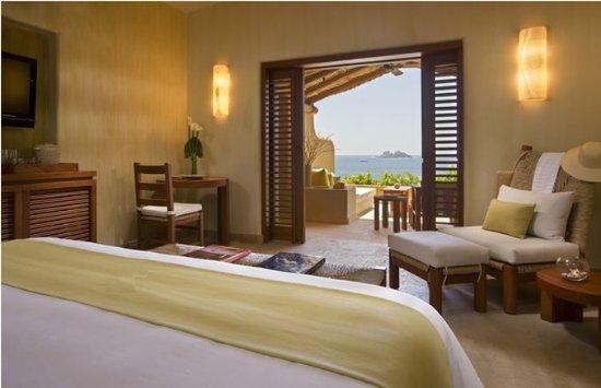 Cala de Mar Resort & Spa Ixtapa : Cala De Mar Deluxe Ocean Front