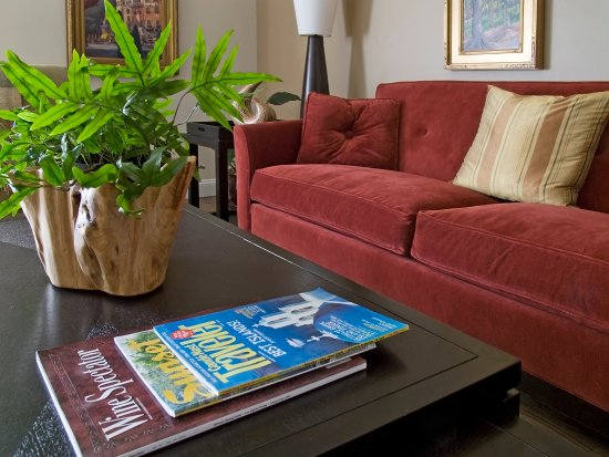 Wondrous Portofino Couch With Coffee Table Picture Of Elan Guest Creativecarmelina Interior Chair Design Creativecarmelinacom