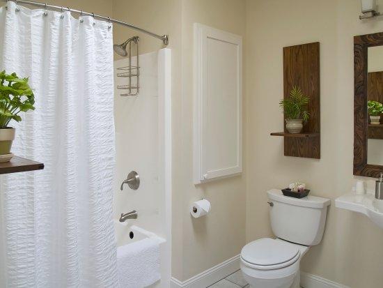 Jacksonville, Oregón: Portofino Private Tiled Bathroom