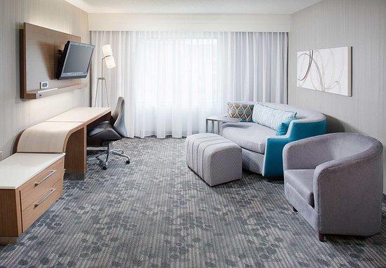 Sandston, VA: King Suite - Living Area
