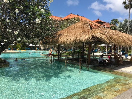 Peninsula Beach Resort Tanjung Benoa Swim Up Pool Bar Under Construction