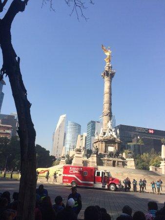 Monumento a los Heroes de la Independencia : photo0.jpg