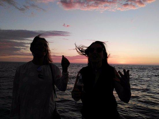Temptation Sailing : A perfect Friday evening.