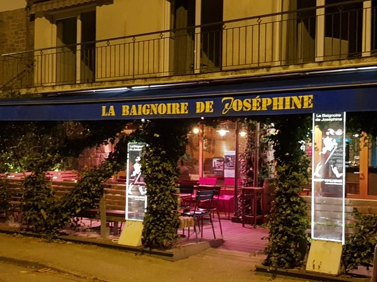 La Baignoire De Josephine Carnac France Updated 2018 Top Tips
