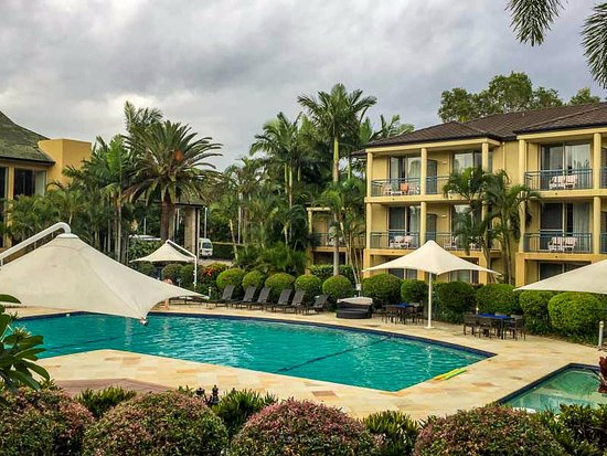 Mercure Gold Coast Resort: Two buildings overlook this pool which is next to the main reception