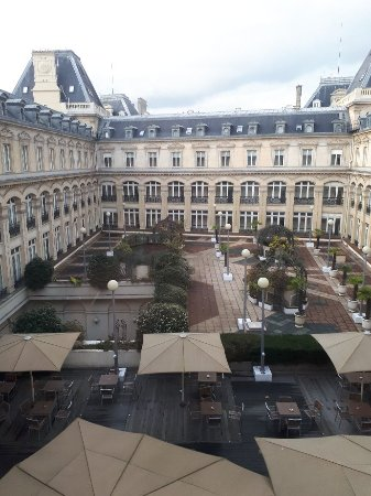 20171124_154143_large jpg - Picture of Crowne Plaza Paris
