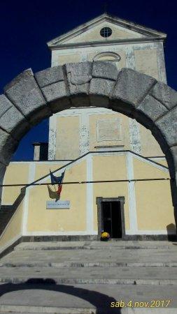 Padula, Italy: Sacrario dei Trecento
