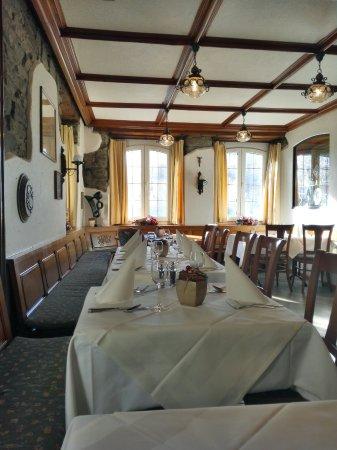 Gisikon, Schweiz: Restaurant Tell