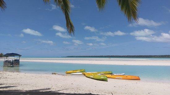 Aitutaki Village: IMAG0156_large.jpg