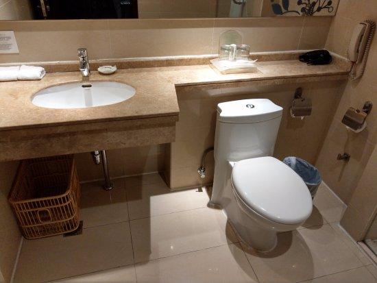 Mudanjiang, Chiny: 浴廁空間看起來寬敞, 乾淨