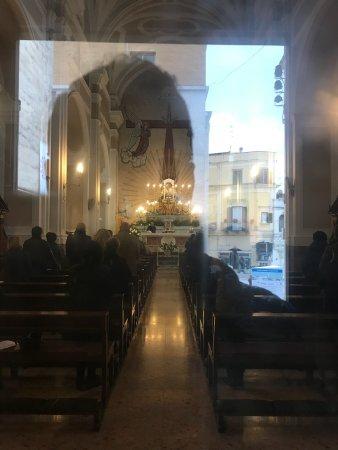 In piazza centralissima; culto riservato!