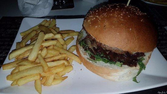 Trappitello, Italie : Hamburger con carne suina