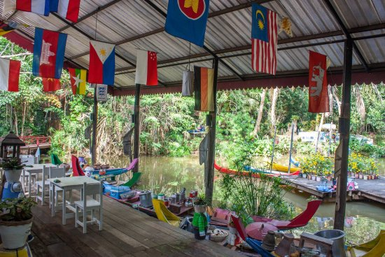 Nakhon Ratchasima Province, Tailandia: บรรยากาศภายในสวน