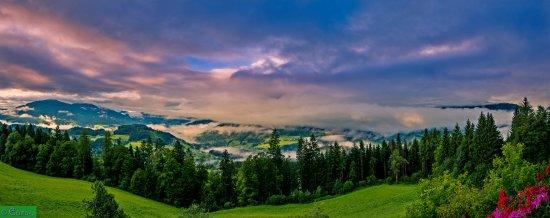 Pfarrwerfen, Австрия: Vistas al amanecer.
