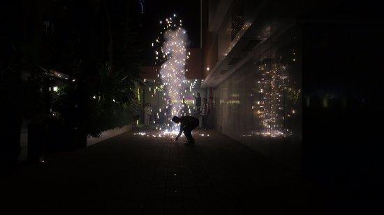 The Oriental Residency: Petit feu d'artifices pour fêter Diwali