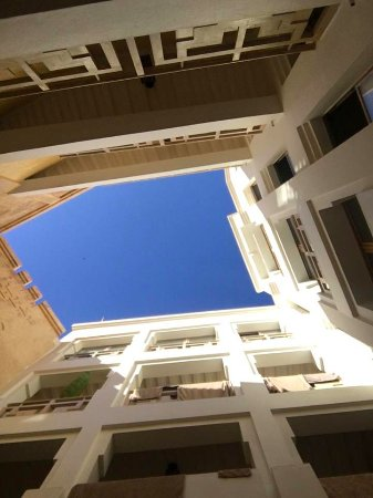 Dar Maya: View straight up from the breakfast table