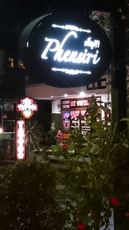 Phensiri Thai Restaurant: Ταμπέλα