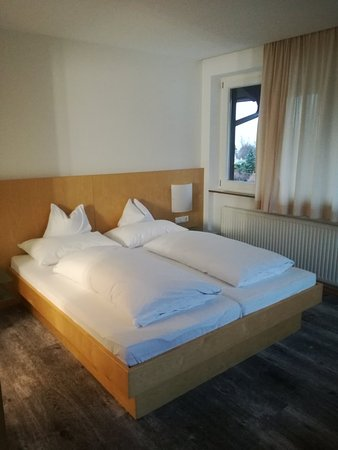 Lans, Austria: Hotel Isserwirt