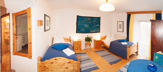 Nassereith, Austria: Blue indigo room Twin