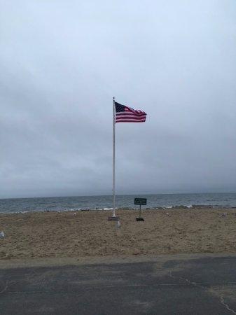 Old Greenwich, Κονέκτικατ: Flag at the beach.