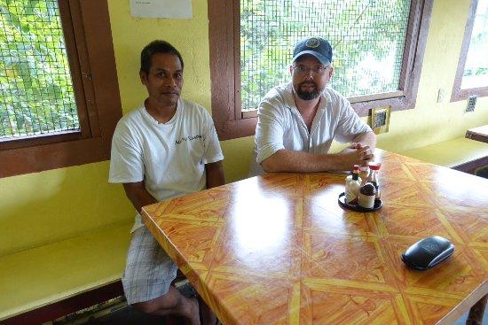 Kolonia, Gefedereerde Staten van Micronesië: I avvaktan på vår soppa.