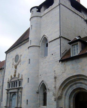 Besançon, France : Façade de l'église Notre-Dame