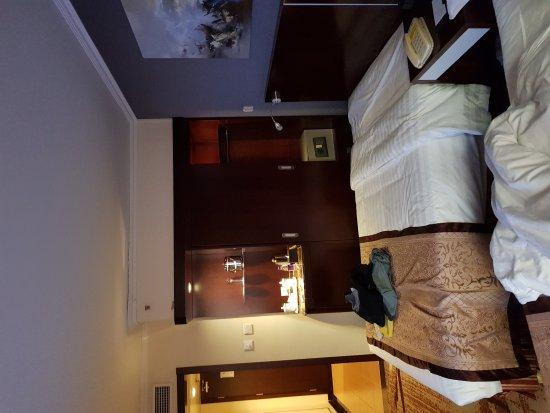 Yong An Hotel: 20171014_073209_large.jpg
