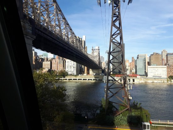 how to get to roosevelt island tram
