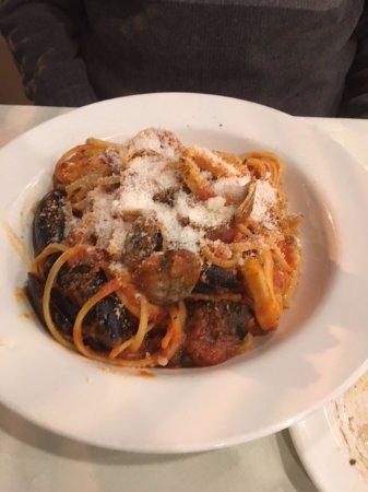 Concord, كندا: Seafood pasta dish