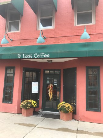 Freeport, IL: 9 East Coffee