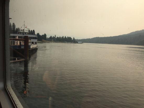 Mountain Trek Fitness Retreat & Health Spa : Crossing the lake on ferry to get to one of the hikes - haze was from smoke from the bushfires i
