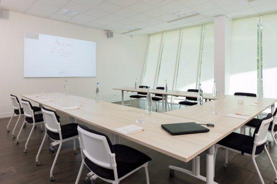 Avene, Francja: Salle de réunion connectée