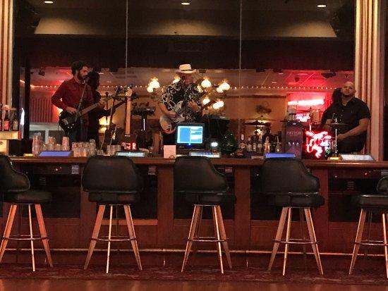 Longstreet Hotel & Casino: petit concert (trop sympa)