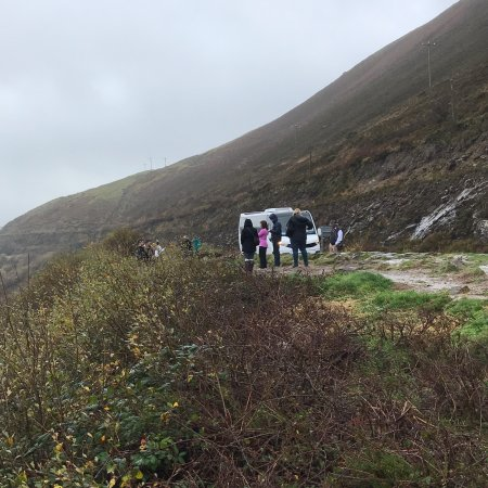 Wild Kerry Day Tour with O'Connor Autotours: checking out cliffs