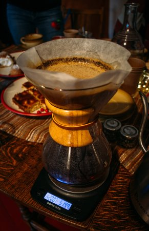Ranka, Letonia: Learning how to make delicious filter coffee with Chemex