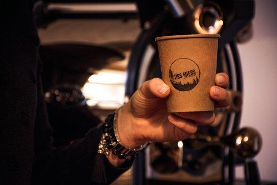 Ranka, Letonia: Coffee?