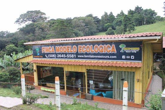 Finca Modelo Ecologica Familia Brenes